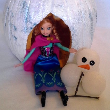 Anna Build a Snowman Pumpkin
